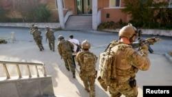 امریکی محکمہ خارجہ کے مطابق، عراق سے سفارتی عملے کو واپس بلانے کا کوئی منصوبہ نہیں ہے۔ (فائل فوٹو)