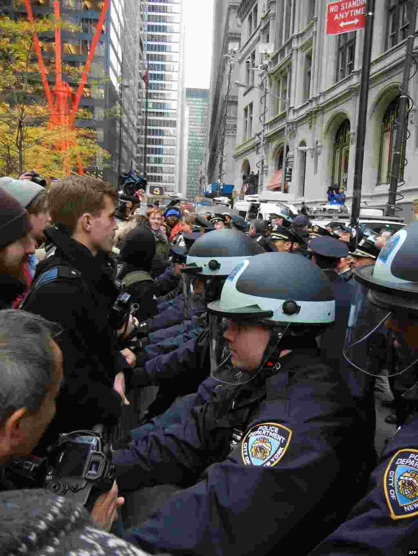 В Нью-Йорке продолжаются массовые акции протеста