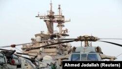 Корабль ВМС США Boxer на учениях в Аравийском море