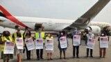Chegada da doação de vacinas COVID-19 dos EUA para Angola, no âmbito da COVAX. Aeroporto de Luanda, Angola, 24 Agosto 2021