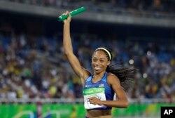 Allyson Felix, medalla de oro en las competencias de relevo 4x400 metros en las Olimpiadas de Río, será gran mariscal del Desfile de las Rosas el primero de enero de 2017.
