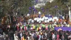 Marche pro-unité au cœur de la Catalogne (vidéo)