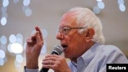 Kandidat za predsedničku nominaciju Demokratske stranke Berni Sanders na mitingu u Huksetu, u Nju Hempširu, 30. septembra 2019. (Foto: Reuters)