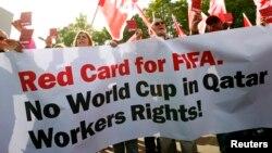 Jedan od ranijih protesta ispred sedišta FIFA-e u Cirihu