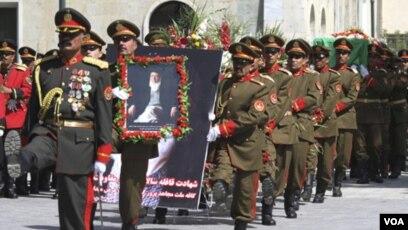 Upacara pemakaman mantan Presiden Afghanistan Burhanuddin Rabbani di Kabul (23/9). Rabbani tewas di rumahnya akibat serangan bunuh diri.