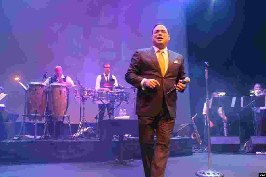 Gilberto cantó al amor y también al desamor.