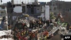 Пакистанские спасатели. Лахор, 6 февраля 2012 г.