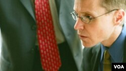 En el trabajo existe una gran probabilidad de que el jefe pueda ver los perfiles en internet de sus empleados.