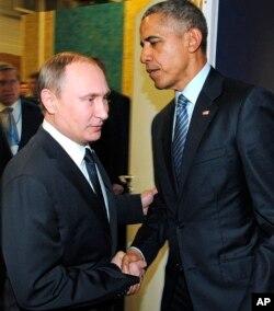 روسای جمهوری آمریکا و روسیه در حاشیه کنفرانس پاریس دیدار کردند.