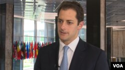 Andrew Peek, Wakil Menteri Luar Negeri AS untuk urusan Timur Dekat berbicara di Deplu AS, Rabu (9/5).
