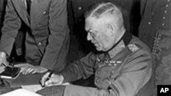 Wilhelm Keitel potpisuje kapitulaciju Njemačke, 8. svibnja 1945.