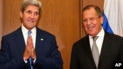 Sakataren Harkokin Wajen Amurka John Kerry da takwaransa Sergey Lavrov na kasar Rasha