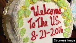 Mừng gia đình người em đến Mỹ (ảnh Bùi Văn Phú)
