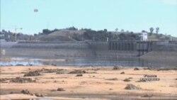 За розтрату води у Каліфорнії штрафують на $500, і ось чому... Відео