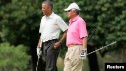 Thủ tướng Malaysia đã bị chỉ trích trong tuần này sau khi các bức ảnh đăng tải cho thấy ông chơi golf với Tổng thống Mỹ Barack Obama tại Hawaii.