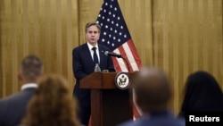 ენტონი ბლინკენი აშშ-ის ავღანეთის მისიის წარმომადგენლებს მიმართავს. დოჰა, ყატარი, 7 სექტემბერი, 2021 წ.