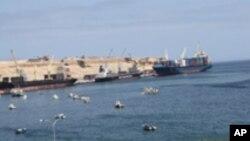 Vista geral do porto do Namibe