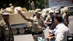 Египетская армия на улицах Каира. 4 июля 2013г.