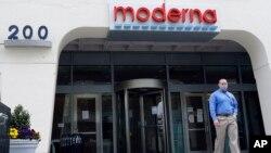 Kantor perusahaan Moderna, Inc. di Cambridge, Massachusetts, AS.