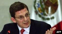 Ngoại trưởng Clinton sẽ bổ nhiệm nhà ngoại giao hồi hưu Marc Grossman (hình trên) vào chức vụ tân đặc sứ tại Afghanistan và Pakistan