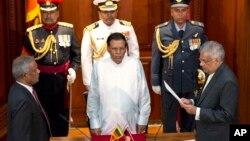 وکرمے سنگھے نے چوتھی مدت کے لیے وزارت عظمیٰ کا حلف اٹھایا