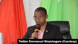 Emmanuel Sinzohagera atwara inama nkenguzamateka y'Uburundi