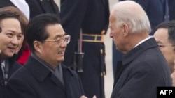 Джо Байден вылетел на переговоры в Китай
