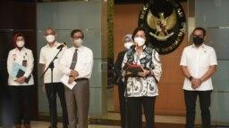 Menkopolhukam Machfud MD dan Menteri Keuangan Sri Mulyani menyampaikan keterangan pers di Jakarta, Senin (20/9), tentang kinerja Satuan Tugas Penanganan Hak Tagih (Satgas BLBI) telah memanggil 24 obligor dan debitur BLBI. (Courtesy: Biro KLI-Kemenkeu)