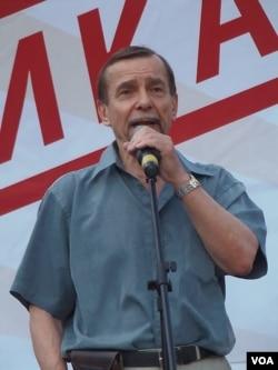 人权活动人士帕诺马廖夫(美国之音白桦)