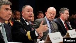 Direktor NSA, general Kit Aleksander svedoči pred Kongresom SAD o skandalu prisluškivanja, 29. oktobar 2013.
