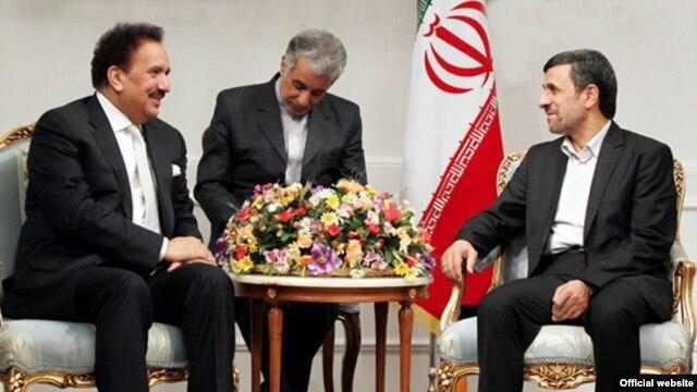 Bộ trưởng Nội vụ Pakistan Rehman Malik (trái) hội đàm với Tổng thống Iran Mahmoud Ahmadinejad tại Tehran, Iran 19/2/13