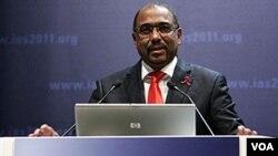 Michel Sidibe, Direktur Eksekutif UNAIDS berbicara dalam sebuah konferensi internasional tentang HIV/AIDS di Roma (foto: dok).