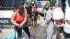 Restricciones de Venezuela agravan crisis de migrantes que buscan regresar desde Colombia