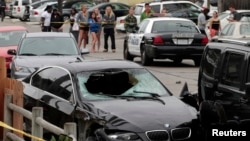 한밤 총기 난사극에 사용된 자동차. 범인 엘리엇 로저는 이 자동차를 몰고 다니면서 행인들에게 무차별 총격을 가했다.
