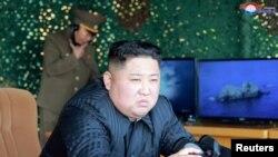 Nhà lãnh đạo Triều Tiên Kim Jong un giám sát cuộc tập trận hồi đầu tháng 5
