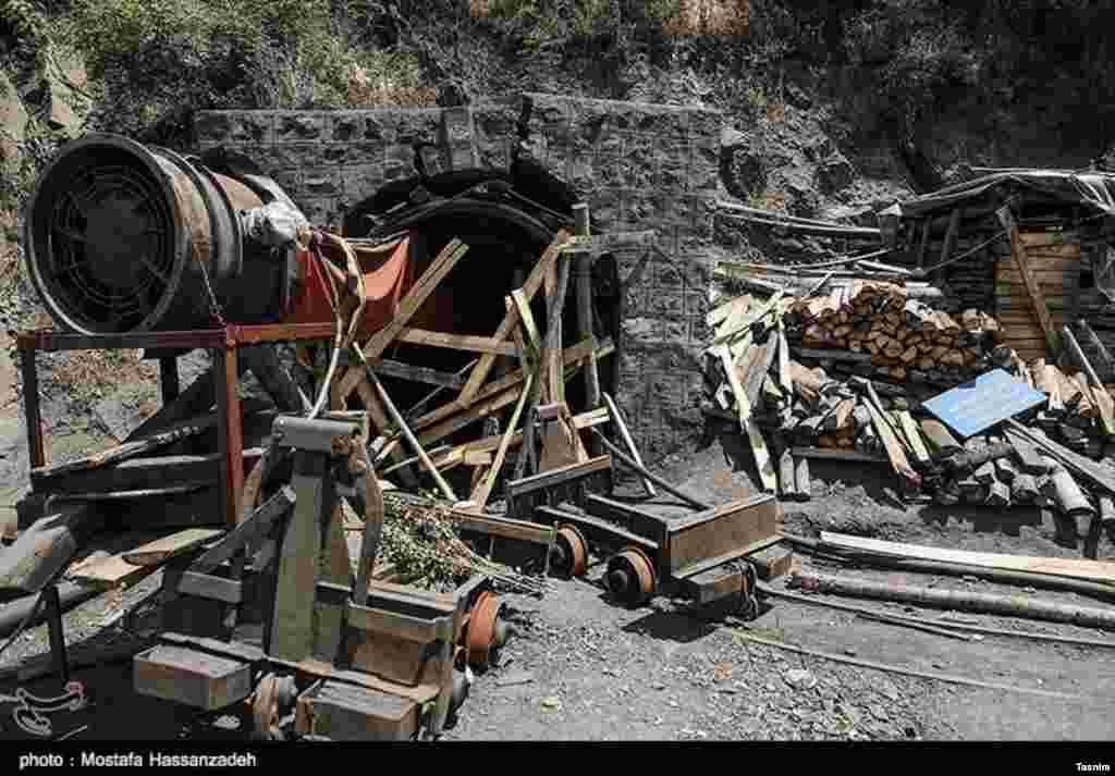 معدن زمستان یورت چهل روز پس از حادثه انفجار که دهها کشته برجای گذاشت. عکس: مصطفی حسن زاده