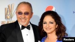 Artistas como Shakira, Ricky Martin, Jennifer López, Marc Anthony y Jon Secada, recibieron el impulso y apoyo de Gloria y Emilio.
