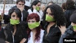 Los periodistas corren grandes riesgos por defender la libertad de expresión, por lo que es necesario acabar con la impunidad.