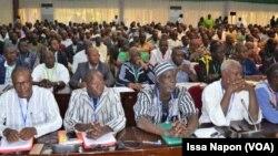 Les acteurs principaux du conclave réunis à Ouagadougou, le 13 mars 2019. (VOA/Issa Napon)