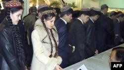 Turkman muxolifati: Saylov emas, prezident ikkinchi muddatga tayinlanyapti
