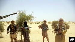 Des militants d'Ansar Dine, la milice accusée d'avoir procédé à de nouvelles destructions de mausolées à Tombouctou