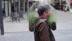 Վարշուրենը Բրյուսելի փողոցներով շրջում է իր անձնական օազիսով, որը նրան պաշտպանում է կորոնավիրուսից օդը մաքրող բույսերի շնորհիվ: