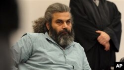 Khaled el-Masri, warga Jerman yang mendapat perlakuan buruk saat ditahan di Makedonia (Foto: dok). Pengadilan HAM Eropa memutuskan Makedonia bertanggung jawab atas pengobatan Khaled el-Masri dan membayar ganti rugi sebesar $78.000.