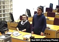 Jasmin Keserović i branilac Senad Dupovac u sudnici Suda BiH, decembar 2019.