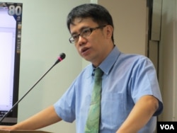 台湾守护民主平台监事颜厥安(美国之音张永泰拍摄)