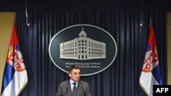 Ministar zdravlja Srbije Tomica Milosavljevic podneo je neopozivu ostavku na tu funkciju iz, kako je rekao, duboko licnih razloga.