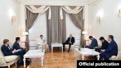 Prezident İlham Əliyev və AŞPA prezidenti Lilian Mori Paskye görüşüb