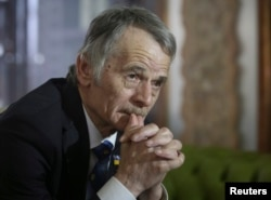 FILE - Crimean Tatars leader Mustafa Dzhemilev during an interview in Kyiv, March 15, 2014.
