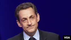 Mantan Presiden Perancis Nicolas Sarkozy kini berada dalam tahanan (foto: dok).