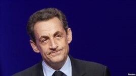 Merret në pyetje ish-presidenti francez Sarkozy